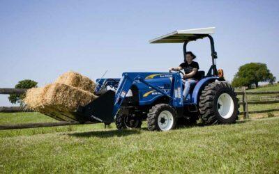 Tractores agrícolas: Consejos para utilizar el cargador frontal con seguridad